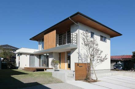外観: TEKTON   テクトン建築設計事務所が手掛けた家です。