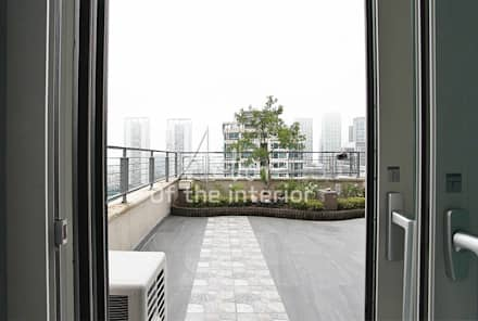 송도 더샵 하버뷰 13단지 팬트하우스(복층인테리어): 디자인 아버의  실내 정원