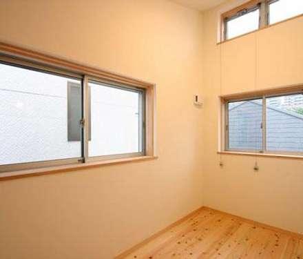 Teen bedroom by 一級建築士事務所 匠拓