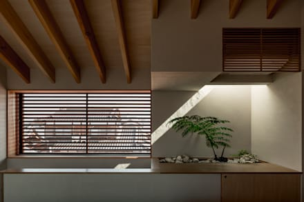 Cửa sổ by HEARTH ARCHITECTS/ハース建築設計事務所