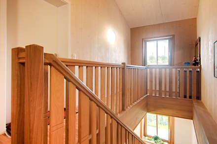 Altbau zum Passivhaus:  Flur & Diele von Architekturbüro Schaub