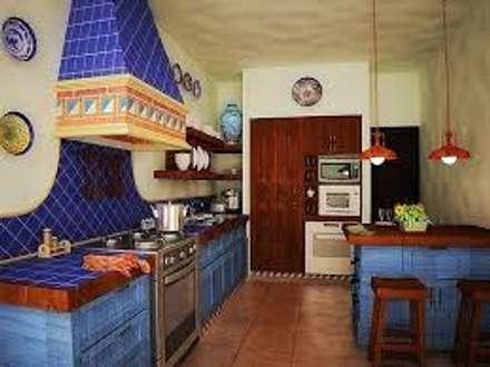 مطبخ ذو قطع مدمجة تنفيذ Gerardo Suarez - Homify