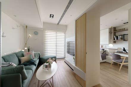 غرفة المعيشة تنفيذ Moooi Design 驀翊設計