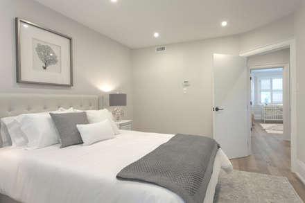 Glen Rd: minimalistic Bedroom by Contempo Studio