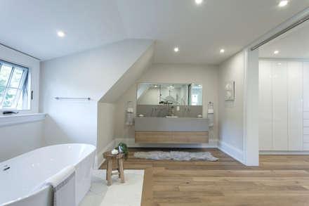 Glen Rd: minimalistic Bathroom by Contempo Studio