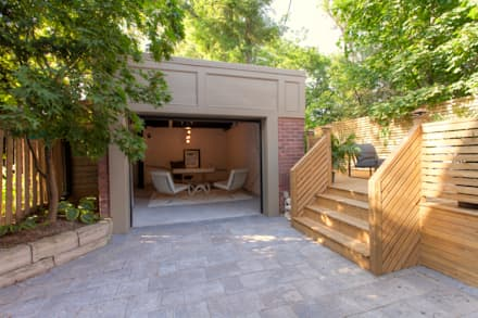 minimalistic Garage/shed by Contempo Studio