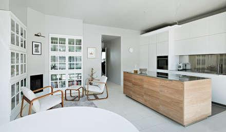 Apartment Citylife Milano: Cucina in stile in stile Moderno di PAOLO FRELLO & PARTNERS