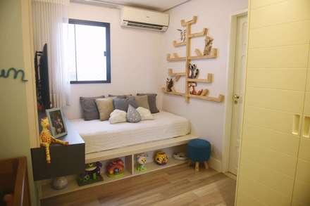 Cuartos para bebés de estilo  por Lorena Porto - Arquitetura e Interiores