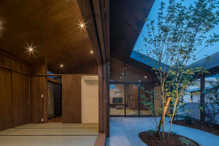 和室 庭: KEITARO MUTO ARCHITECTSが手掛けた和室です。