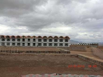 """Campus der """"Desert Garden School"""" :  Landhaus von Zahra Breshna Consulting"""