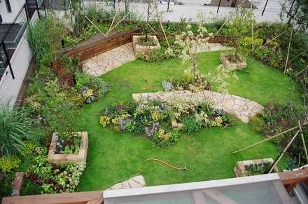別世界のみどり: GAZON~ガゾン~が手掛けた庭です。