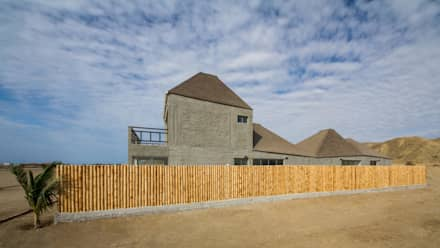 Vista sur-norte / North-South view: Casas ecológicas de estilo  por Lores STUDIO. arquitectos