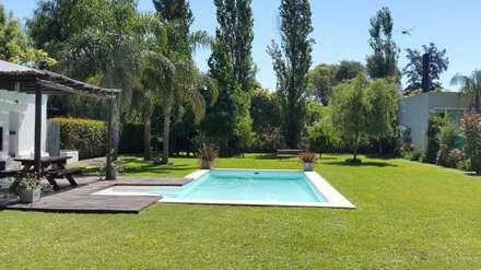 mediterranean Pool by Estudio Victoria Suriguez