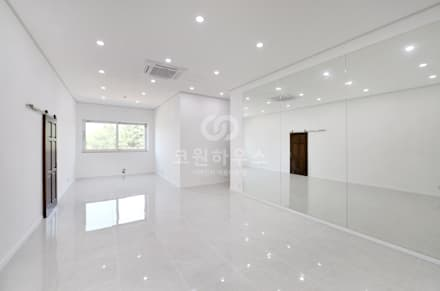 country Media room by 코원하우스