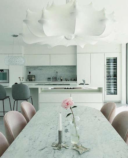 Armários de cozinha  por Conceito in Design