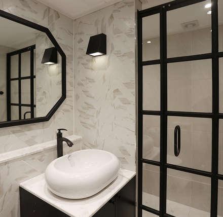 욕실 및 거실: (주)노드의  화장실