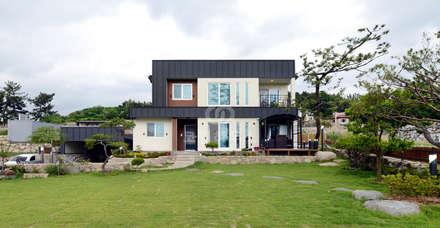 moderne Häuser von 코원하우스