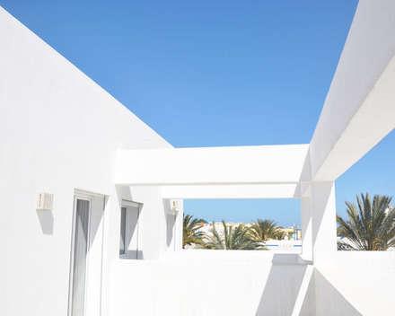 Haciendas de estilo  por B.A-Studio