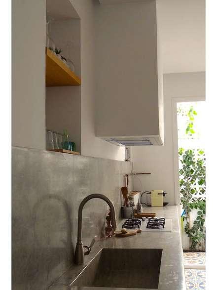 Armários de cozinha  por B.A-Studio