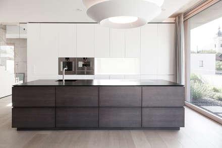 Wohnhaus Waidhofen An Der Ybbs, NOE: Moderne Küche Von Lehner Raumkonzept  GmbH