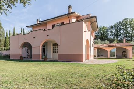 MARIA LAKE: Villa in stile  di Sapere di Casa - Architetto Elena Di Sero Home Stager