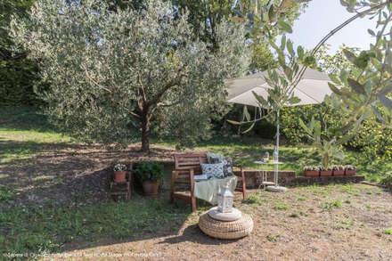 Front yard by Sapere di Casa - Architetto Elena Di Sero Home Stager