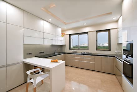 Kitchen: modern Kitchen by The Workroom