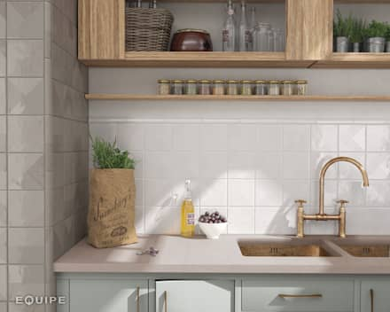 Fragments White, Grey Pearl 13,2x13,2 cm.: Cocinas de estilo rústico de Equipe Ceramicas