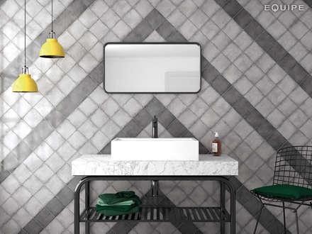 Vestige Cool Grey, Hat Black 13,2 x 13,2 cm.: Baños de estilo industrial de Equipe Ceramicas