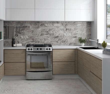 Bardiglio Dark 7,5x30 cm, Carrara Hexagon 17,5x20 cm: Cocinas de estilo escandinavo de Equipe Ceramicas