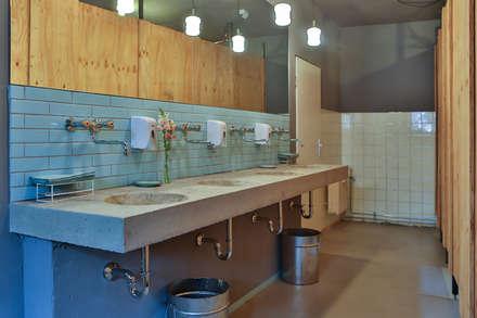 Waschtisch im Grandhotel:  Veranstaltungsorte von michael adamczyk  - architekt und stadtplaner