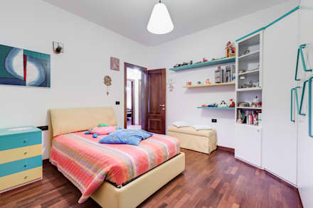 classic Nursery/kid's room by Luca Tranquilli - Fotografo