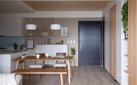 Corridor & hallway by 極簡室內設計