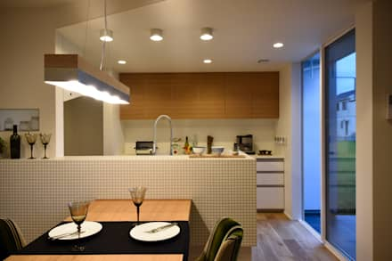 TUB邸: Sen's Photographyたてもの写真工房すえひろが手掛けたキッチンです。
