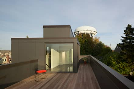 Magnolia House: modern Houses by Rerucha Studio