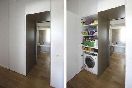 Lavanderia Mobile Salvaspazio: Ingresso & Corridoio in stile  di JFD - Juri Favilli Design