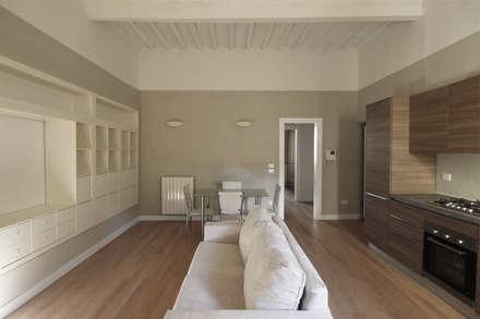 Ristrutturare Casa e ricavare la seconda Camera: Sala da pranzo in stile in stile Rustico di JFD - Juri Favilli Design