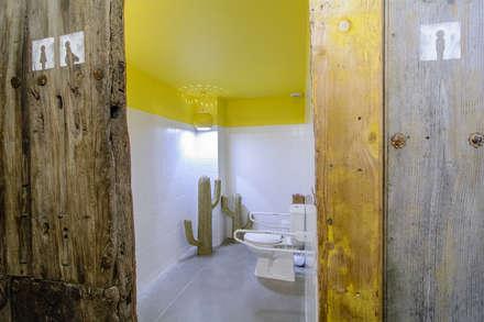 Baño : Bares y discotecas de estilo  por Ópera de Domingo