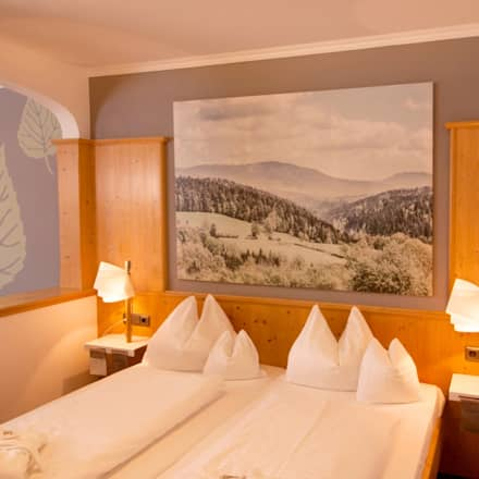 Lichtplanung Hotel Lindenwirt: landhausstil Schlafzimmer von Licht-Freude