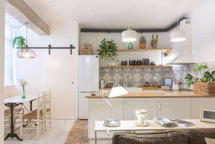 classic Kitchen by Ópera de Domingo