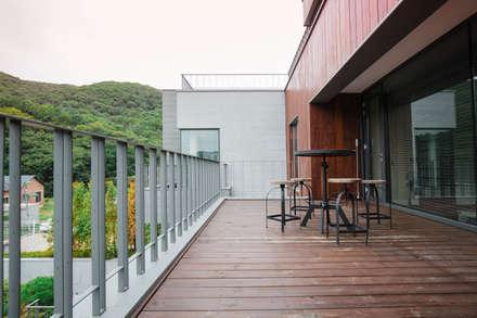 분당주택: 건축일상의  베란다