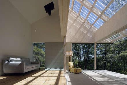 بيت زجاجي تنفيذ 桑原茂建築設計事務所 / Shigeru Kuwahara Architects