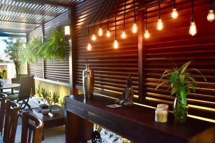 Piscinas de estilo  por Arching - Arquitetos Associados