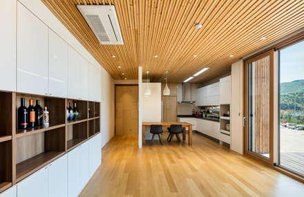 modern Dining room by 투엠투건축사사무소