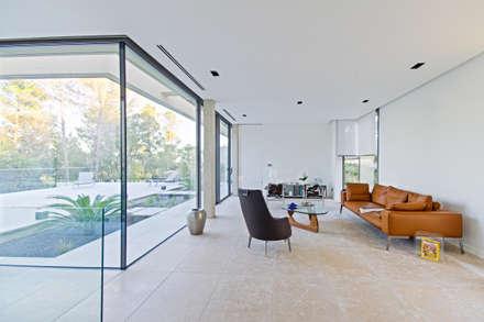 ART: Salon de style de style Minimaliste par Brengues Le Pavec architectes