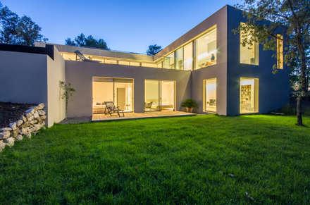 ART: Maisons de style de style Minimaliste par Brengues Le Pavec architectes