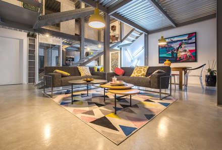 HRT: Salon de style de style Minimaliste par Brengues Le Pavec architectes