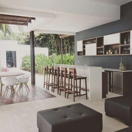 HACIENDA LA PRIMAVERA: Terrazas de estilo  por D Interior