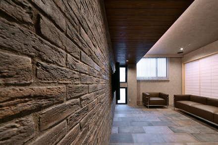 HOUSE K: 株式会社 アイシーエー・アソシエィツが手掛けた壁です。