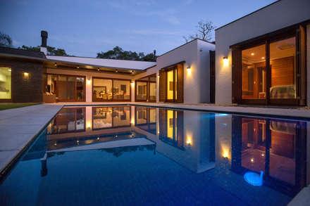 Detached home by Lineastudio Arquiteturas